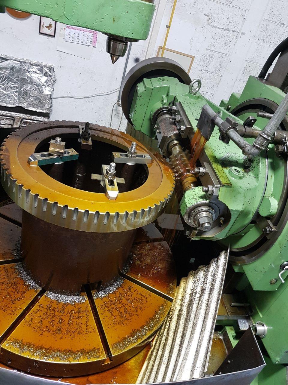 מכונה לייצור גלגלי שניים